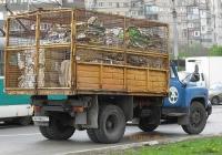 Автомобиль ГАЗ-САЗ-53Б, оборудованный решётчатым кузовом для перевозки легковесных грузов (вторсырьё). #АН 8842 СТ. Донецк