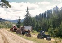 Тракторы Т-40АНМ на горном склоне. Ивано-Франковская область, Миндунок-Бескидский