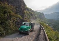 Автомобиль КрАЗ-6510 на горном участке автодороги Чиатура - Цофа. #LLT 194. Грузия, Чиатура