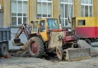 Экскаватор-бульдозер серии ЭО-2621В* на базе трактора серии ЮМЗ-6*. Николаев, улица Советская
