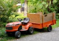 Садовый трактор Husqvarna LT151. Абхазия,Сухуми, Ботанический сад