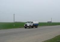 Автоцистерна для перевозки молока на шасси ГАЗ-3309 #ВТ 3686 АВ. Херсонская область, близ Голой Пристани