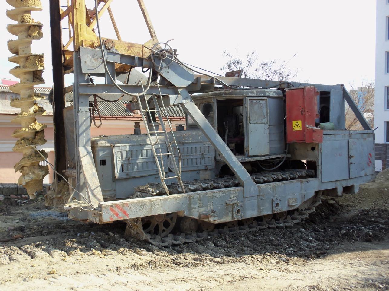 Агрегат ВВПС-32/19 на базе трактора Т-180. Севастополь
