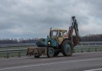 Экскававтор-бульдозер ЭО-2621А на тракторе ЮМЗ-6*. Винницкая область, г. Калиновка, объездная дорога