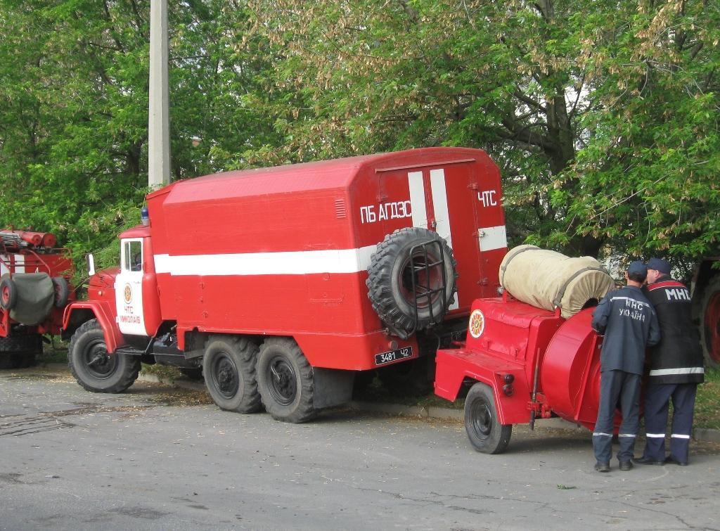 Автомобиль газодымозащитной службы на базе ЗиЛ-131 #3481 Ч2 с прицепным модулем для дымоудаления. Николаев, улица Лазурная