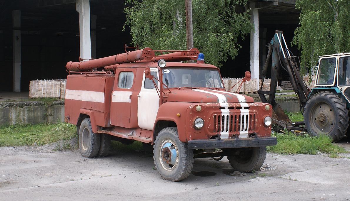 Автоцистерна пожарная АЦ-30(53А)-106А . Хмельницкая область, с. Михайлючка