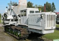 Экскаватор ЭТН-142 производства Таллинского экскаваторного завода. Эстония, г. Тарту, Музей сельского хозяйства
