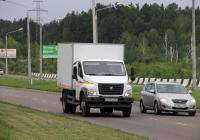 Изотермический фургон на шасси ГАЗ-C41R13 #Х 037 НА 124. Красноярский край, Железногорск, Ленинградский проспект