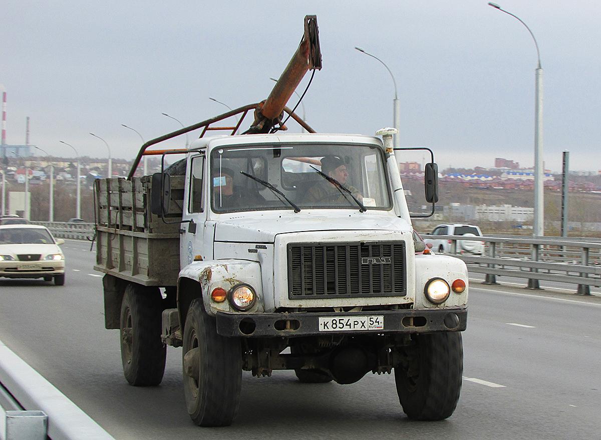 """Буровая установка БКМ-317 на шасси ГАЗ-33081 """"Садко"""" #К 854 РХ 54. Новосибирск, Бугринский мост"""