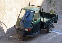 Грузовой мотороллер Piaggio Ape 50. Италия, Венето, Мальчезине