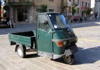 Грузовой мотороллер Piaggio Ape 50 . Италия, Венето, Мальчезине