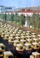 Пощадка готовой продукции, тракторы Т-70С. Кишиневский тракторный завод . Молдавия, Кишинев
