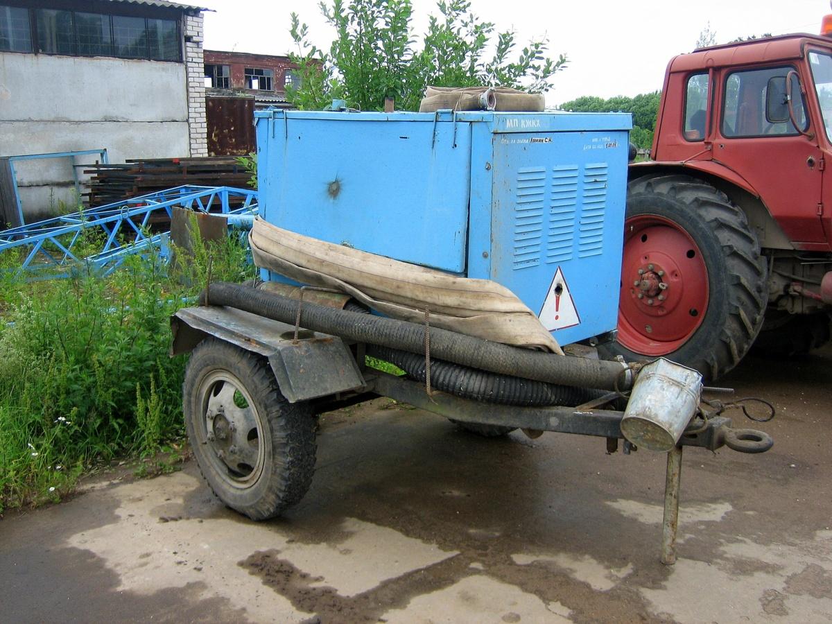 Сварочный агрегат АДД-4002 У1, переоборудованный в установку для откачки воды. Россия, Тверская область, Удомля, Вышневолоцкое шоссе