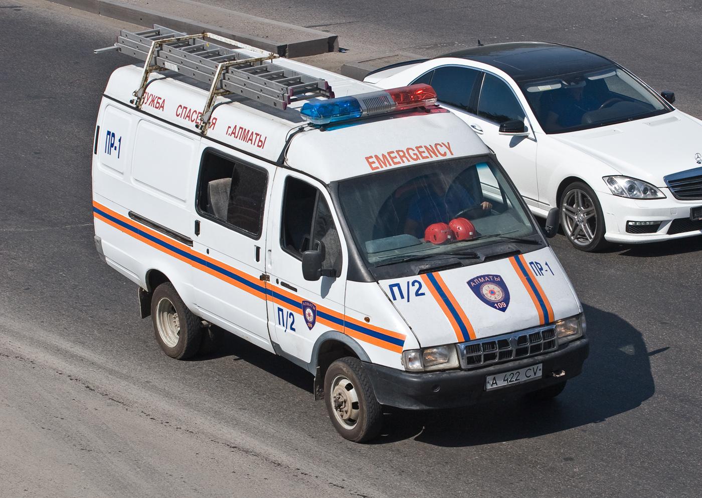Автомобиль обеспечения пиротехнических работ ПР-1 на базе ГАЗ-27057. Алматы, проспект Рыскулова
