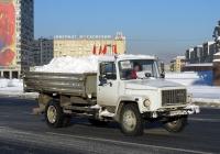 Самосвал ГАЗ-САЗ-35071 на шасси ГАЗ-3309 #В 696 ХХ 98. Санкт-Петербург, площадь Победы