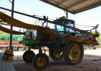 Установка для внесения удобрений на базе трактора John Deere . Израиль, Эйн-Шемер