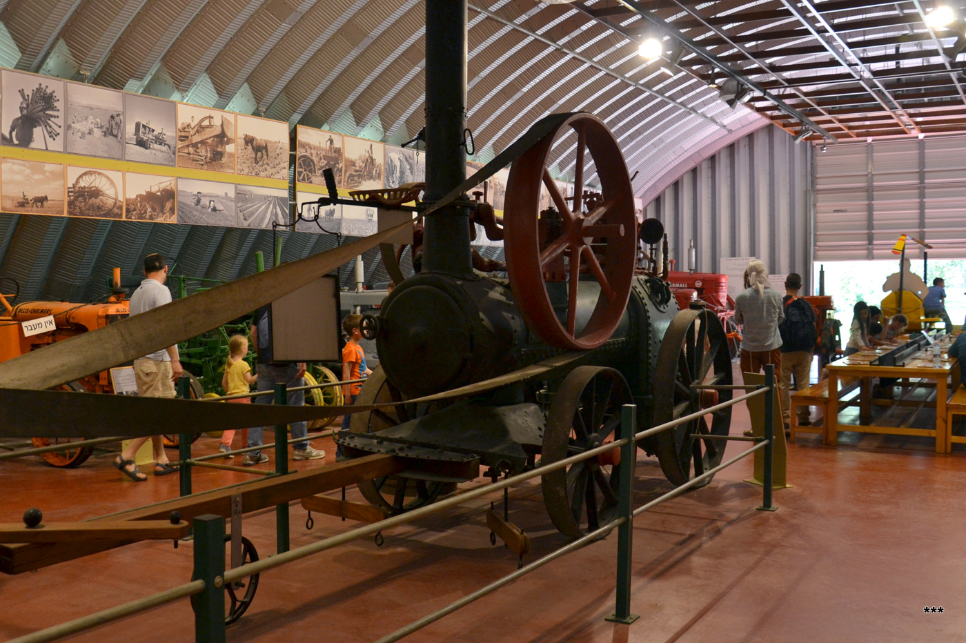 Паровая машина Messers Ruston's Portable Engine, 1875 г.в.. Израиль, кибуц Эйн Шемер, тракторный музей