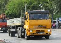 Седельный тягач КамАЗ-65116 #В 225 КР 154 с полуприцепом. Новосибирск, улица Одоевского