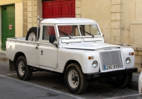 Пикап Land Rover Defender 110 #JAE 595. Мальта, Моста