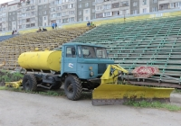 Льдоуборочный комбайн ЛУ5-66Б  базе  ГАЗ-66-12. Курган, стадион «Центральный»