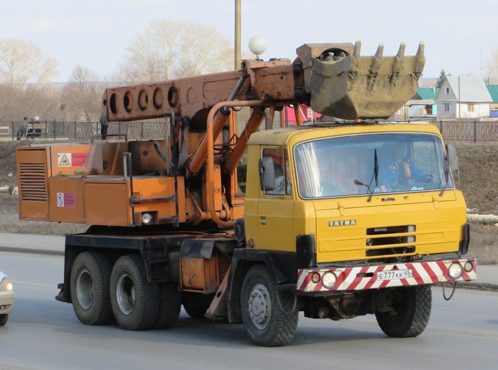 Экскаватор-планировщик UDS-114 на шасси Tatra 815 #Е 777 КК 45. Курган, улица Климова