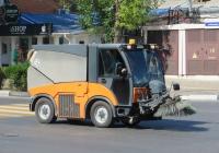 Вакуумная уборочная коммунальная машина Hako Citymaster 2000. Анапа, Крымская улица