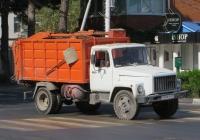 Мусоровоз МКГ на шасси ГАЗ-3307 #Н 019 ОТ 23. Анапа, Крымская улица