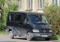 Микроавтобус Mercedes-Benz Sprinter 212D #А 986 УК. Абхазия, Сухум, улица Калмыкова