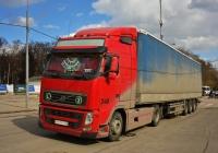 Седельный тягач Volvo FH440 #К 890 КР 174 с полуприцепом . Москва, Московская аллея