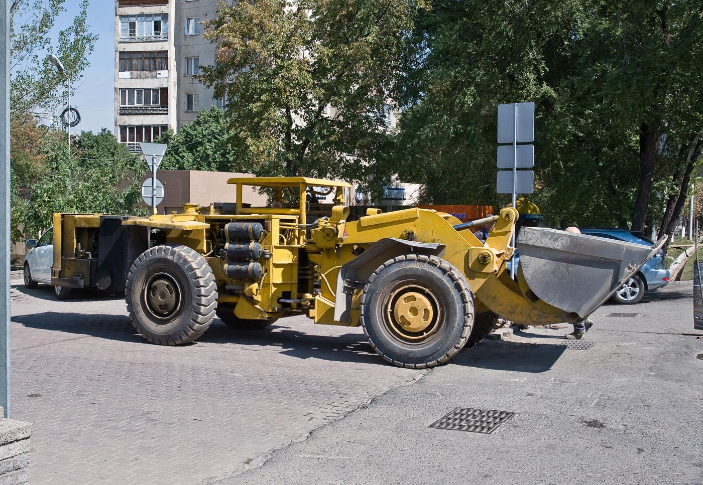Погрузочно-доставочная машина для подземных работ LK-1M . Алматы, проспект Абая