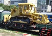 Бульдозер-рыхлитель Komatsu D355A в составе восстановительного поезда ВП-6. Крым, Джанкой