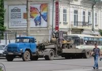 Седельный тягач на базе ЗиЛ-431412 #М 644 ЕН 45 с полуприцепом-тяжеловозом.. Курган, улица Куйбышева