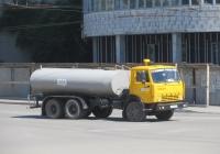 Цистерна для перевозки технической воды,  переоборудованная из битумовоза ДС-138Б на шасси КамАЗ-53213 #Е 815 ВВ 45. Курган, улица Красина