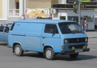 Фургон Volkswagen Transporter T3 #Т 137 КР 45. Курган, улица Гоголя