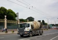Бетоносмеситель на шасси Scania P380 #Н 406 АВ 99. Москва, улица Крымский Вал