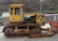 Разукомплектованный бульдозер ДЗ-171.1 на базе трактора Т-170*. Севастополь, Станция Инкерман-1