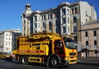 Подъёмник для ремонта контактной сети на базе Volvo FE #Е 043 АТ 777. Москва, Новинский бульвар