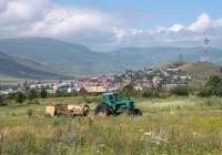 Трактор Т-40АНМ с пресс-подборщиком ППЛ-Ф-1,6 «Киргизстан». Армения, марз Лори, г. Спитак