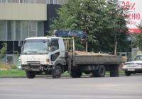 Грузовик с КМУ на шасси Mitsubishi Fuso Fighter #В 588 ВТ 45. Курган, улица Ленина