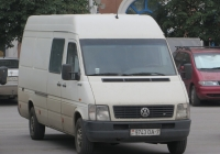 Фургон Volkswagen LT35 #9743 ОА-7. Курган, улица Гоголя