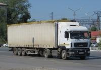 Седельный тягач МАЗ-5440А9 #У 142 РМ 96 с полуприцепом. Курган, Станционная улица