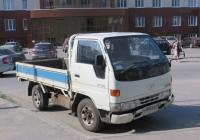 Автомобиль Toyota Dyna 4 #Р 802 ЕХ 45. Курган, улица Кравченко
