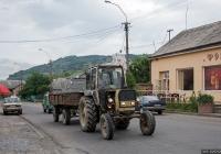 Трактор ЮМЗ-6* #01566 СК с прицепом 2 ПТС-4*. Закарпатская область, Виноградов, Копанская улица