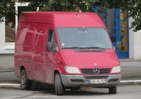 Фургон Mercedes-Benz Sprinter #LOS HL 707. Курган, улица Гоголя