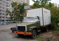 Фургон на шасси ГАЗ -3307. Москва, Смольная улица