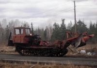 Лесохозяйственный трактор ЛХТ-55 с лесным плугом. Свердловская область, Луговской, Восточная улица