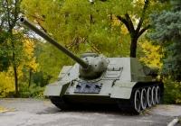 100-мм самоходная установка СУ-100. Саратов, парк Победы