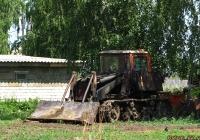 Фронтальный погрузчик на базе трактора ДТ-75*. Алтайский край, Павловский район, Сибирские Огни