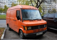 Цельнометаллический фургон на шасси Mercedes-Benz 310D #Р 895 УХ 197  . Москва, улица Лескова