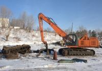 Экскаватор ЭО-4225А с грейферным погрузочным оборудованием. Самарская область, Тольятти, Тольяттинский судостроительный и судоремонтный завод
